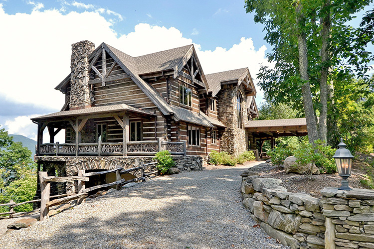 Beverly-Hanks Brings Buyer to Record-Breaking Haywood County Sale