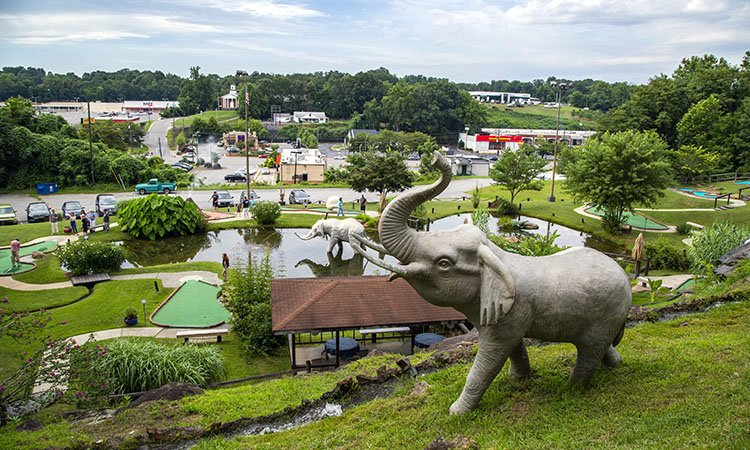 9 Local Mini Golf Courses that will Putt a Smile on Your Face